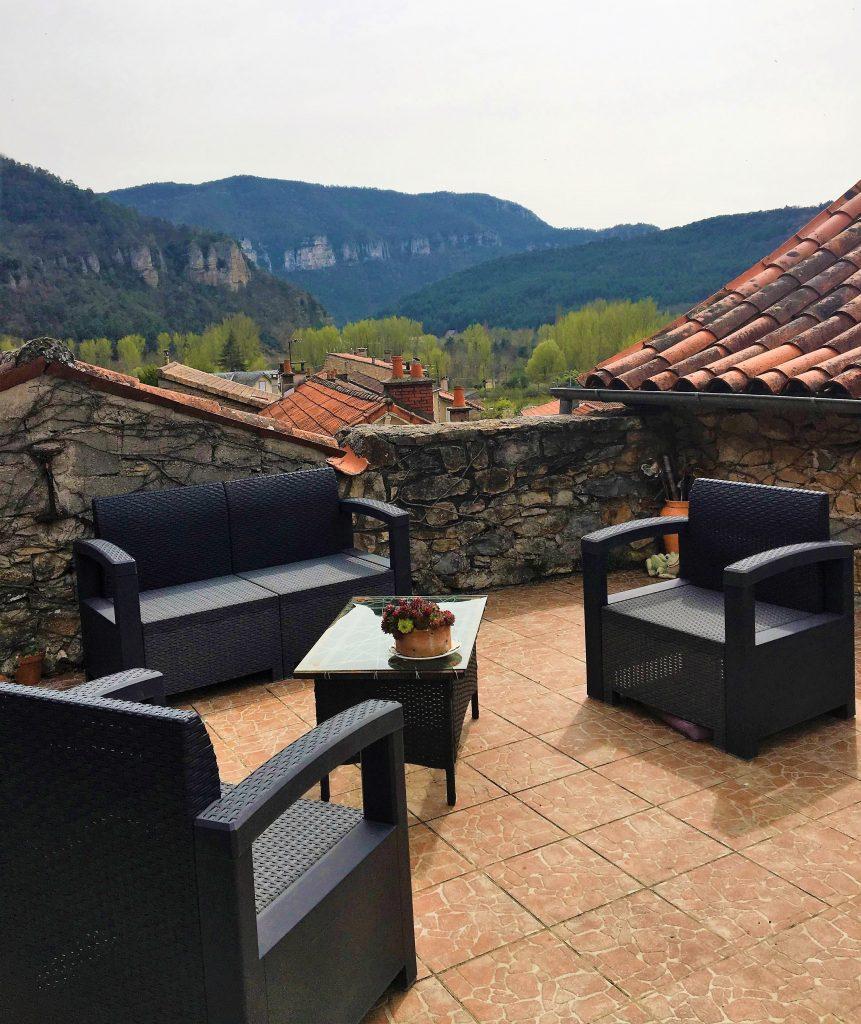 terrasse de la maison d hote les gargouilles