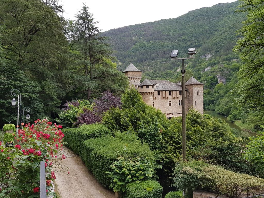 shooting chateau