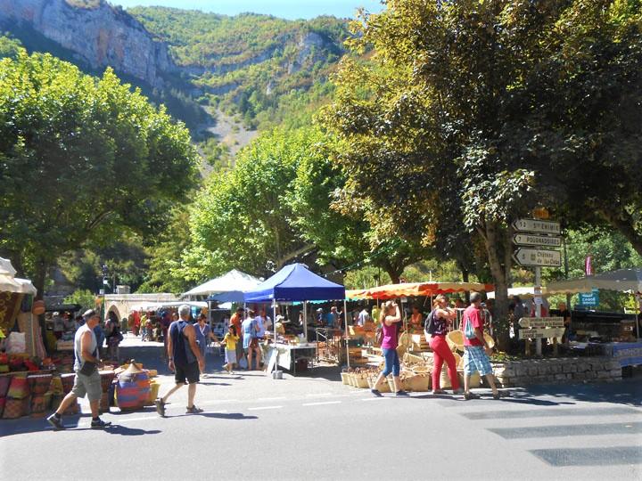 marchés traditionnels autour de millau